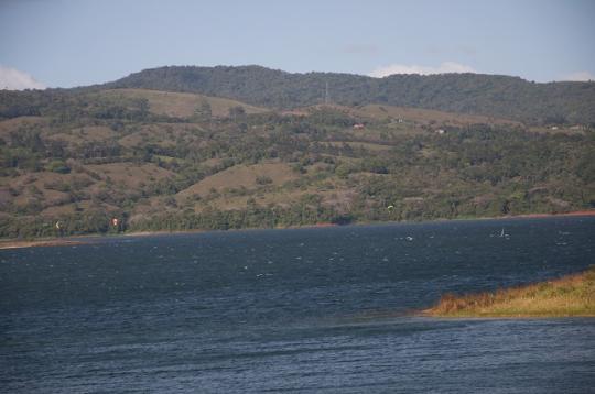 Kite-surf sur la laguna de Arenal