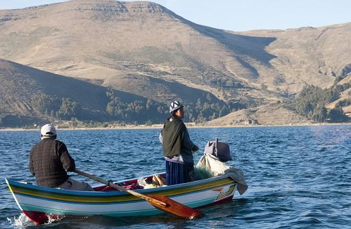 la pêche à la truite sur le lac Titicaca