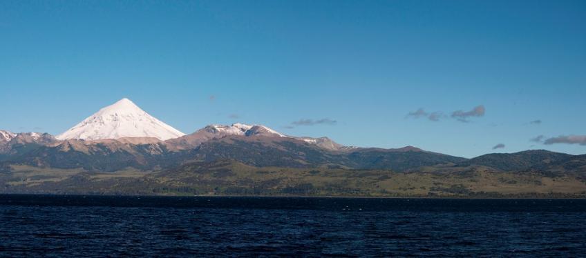 volcan-lanin-lago-huechulafquen-1.jpg